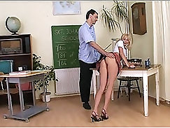 Amateur teacher enjoys sex in classroom