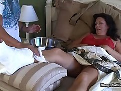 Mom under foot chase