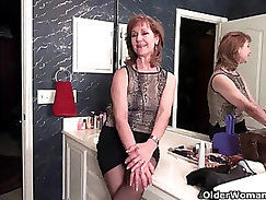 Based on that video you should see her pantyhose too! Nasty
