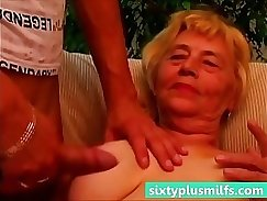 Busty Young Teen Gets Fucked in Car