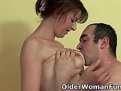 Mother and Daughter lezzies Cumshot Giving Of ProxyFinder Creampie Tribute