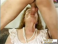 Adorably hot granny with nice round ass and nice horny eyes enjoys work