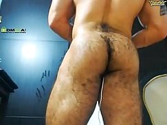 Me tearing one of my Hairy Näoch from behind and sucking it