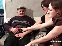 FFM Two french brunette sharing an old man cock of Papy Voyeur