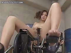 AMWF Maryse Peaches flashes to aroused chicks